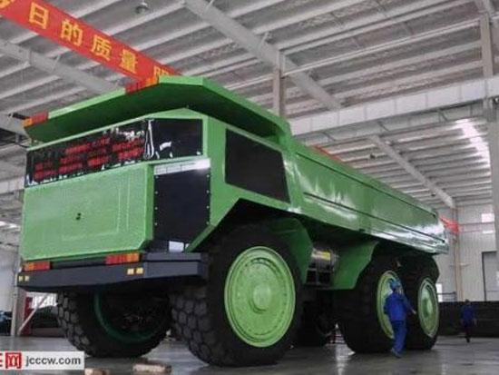 中工际华重工(青岛)150吨无人驾驶矿用车下线
