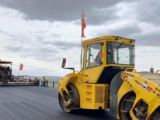 宝马格肃北无人区筑公路