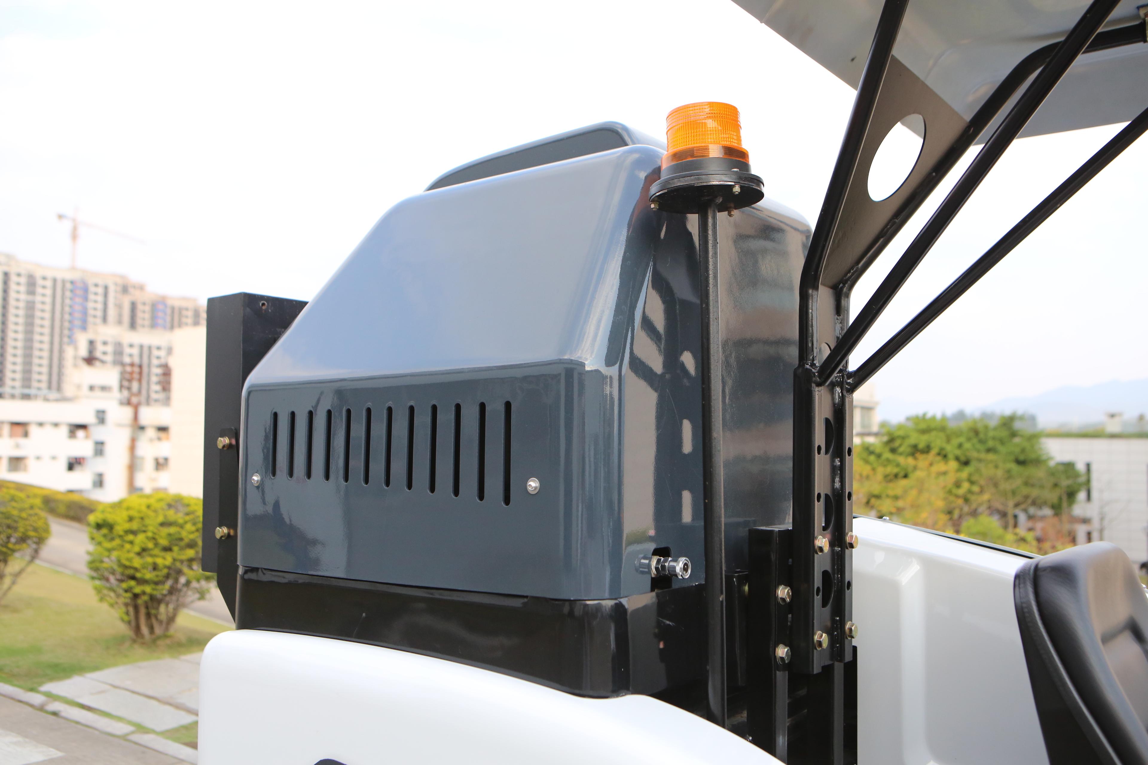FLMSD13纯电动桶装人行道扫路机