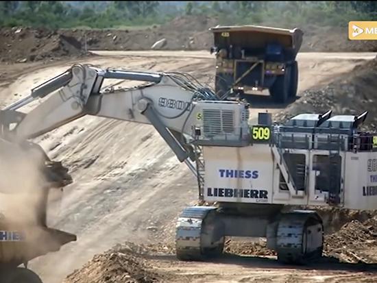 利勃海爾R 9800 挖掘機有點猛