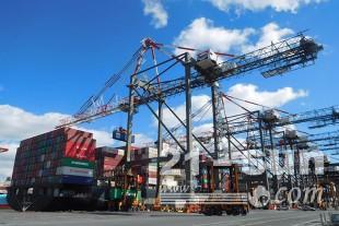 利勃海爾集裝箱起重機有限公司通過與當地的利勃海爾公司更緊密的整合來加強北美的銷售和服務