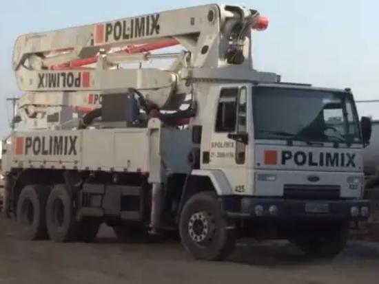 走出国门 在里约热内卢施工的中联泵车
