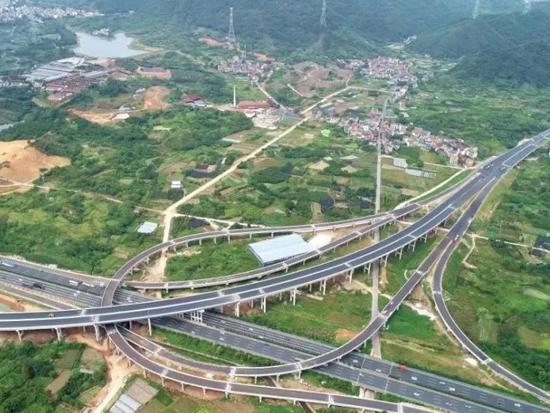 浙江9條高速公路正式通車,20個綜合交通重大項目集中開工!