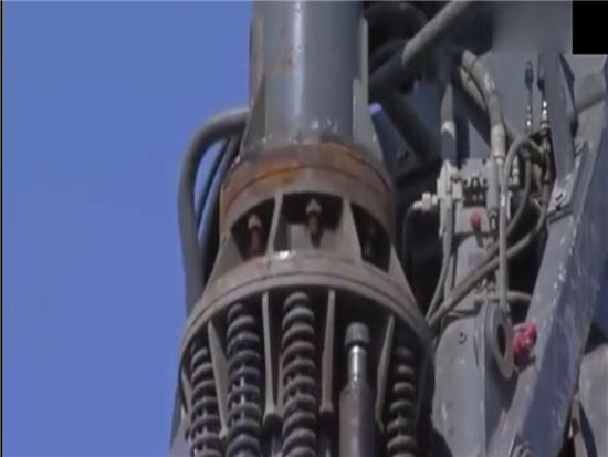 利勃海尔LB44-510大型旋挖钻机