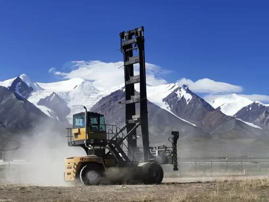 海拔4200米,徐工堆高机完成极限品质挑战!
