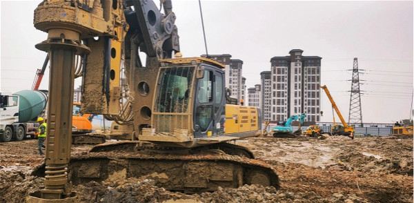XR360、280D旋挖钻机打孔径800-1200mm桩