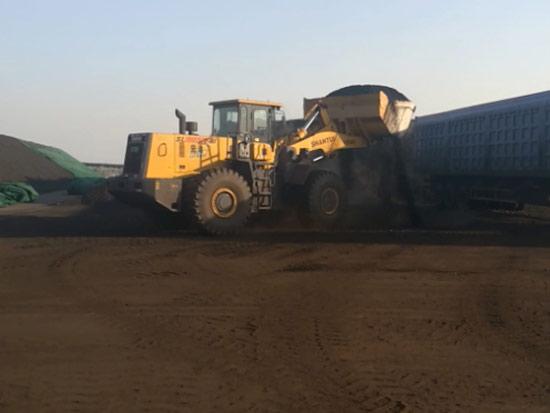 SL60W-2装载机港口煤炭铲装工况