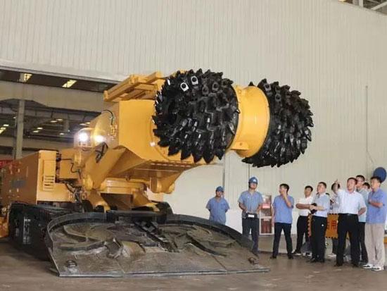 """石煤机 再出重量级""""大力士""""横轴式掘进机"""