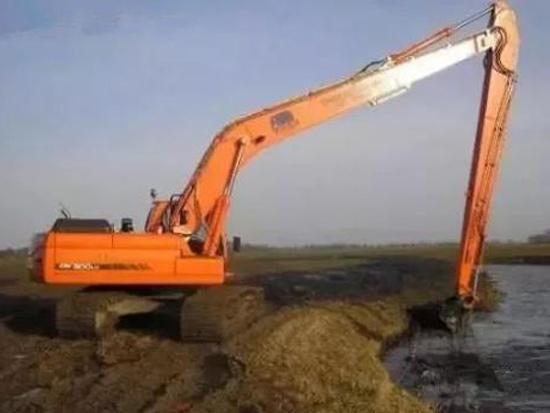 挖掘机装上加长臂台班涨5倍?这几点你必须提前看好!