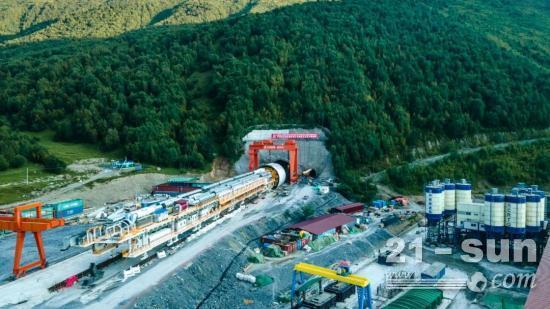 """全球最大直径TBM """"高加索号""""在格鲁吉亚开始步进"""