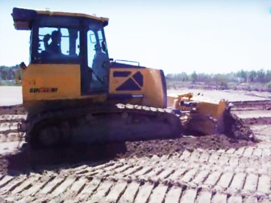 DH10-C2推土机沙土作业