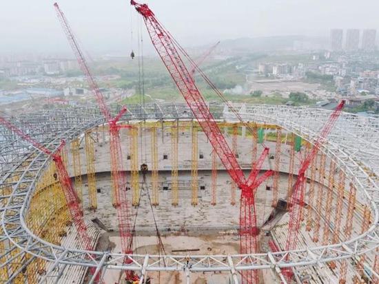 """14000吨钢结构顺利封顶!重庆龙兴足球场待战""""亚洲杯"""""""