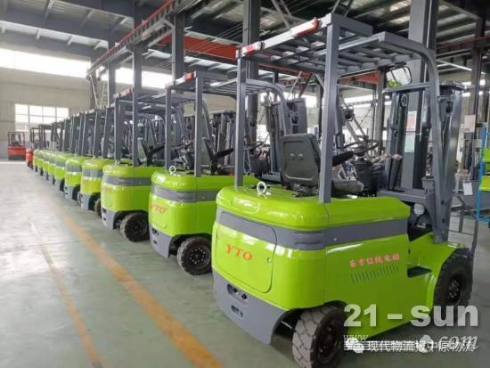 """【物流装备】""""东方红""""叉车家族再添新成员-一拖专用车公司研制出新能源锂电叉车"""