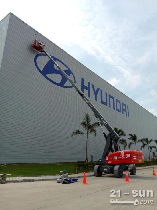 Skyjack SJ86T、SJ4740助力清洁印尼现代汽车大楼