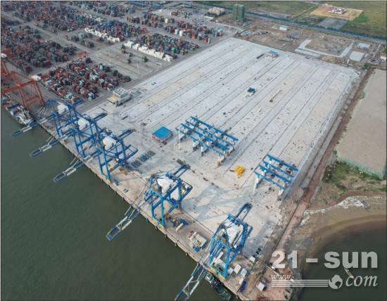 钦州港自动化集装箱码头完成改造
