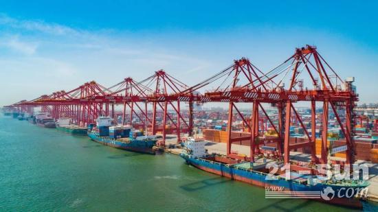 厉害了!山东港口日照港完成集装箱码头10船同时在泊作业