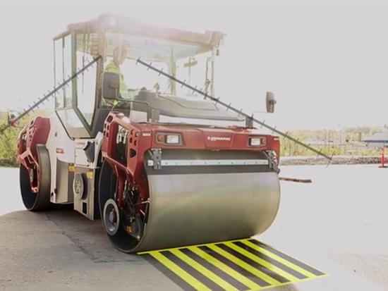 戴纳派克-双钢轮压路机-人机工程-旋转座椅系列