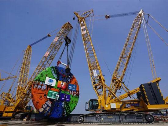 全新千吨担主力!徐工XGC15000A力擎570吨盾构刀盘