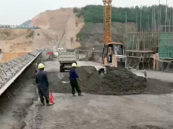 STR08ES推耙湿地版在水库坝体施工