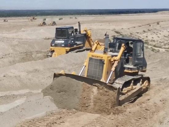 SD32推土机新疆助力牧场建设