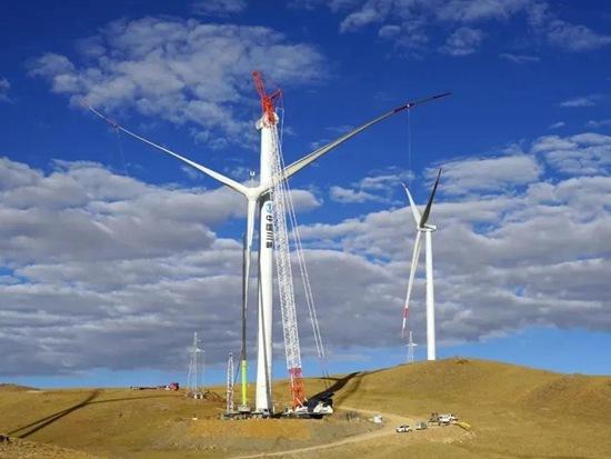 中联重科起重机闪耀世界之巅 圆满完成全球海拔最高风电场全部机组吊装