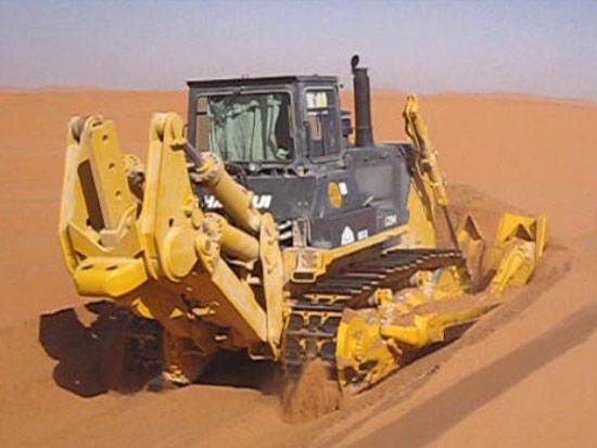 SD32D推土机沙特沙漠施工