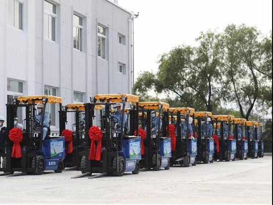 全国首批氢燃料叉车正式投放,由新氢动力与杭叉集团制造