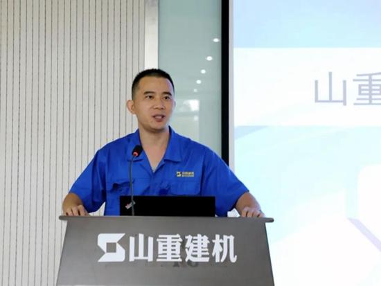 山重建机:公司召开驻外人员业务能力提升培训会暨达标上岗考试