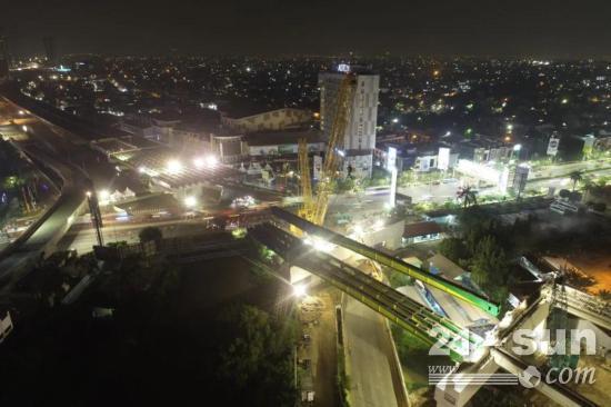 三一SCC8000A起重机助力雅加达绕城高速公路特大关重部件吊装