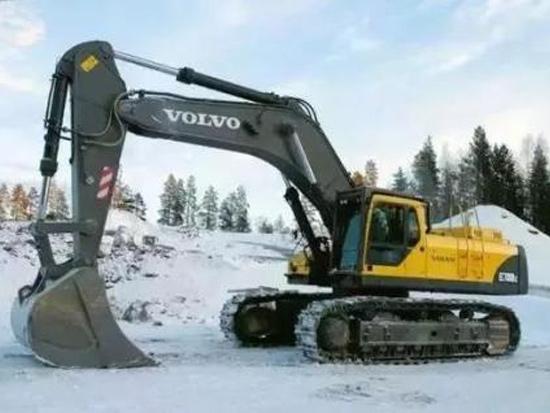 挖掘机、装载机的发动机冬季保养注意事项