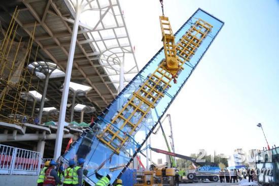 """多款臂式高机强势助力!北京城市副中心图书馆项目""""幕墙之最""""超大玻璃成功挂装"""