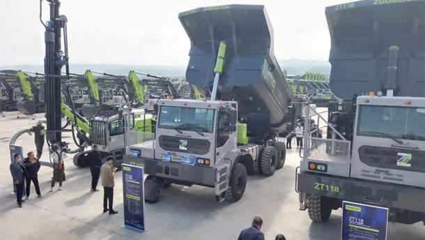 中联重科矿用自卸车亮相中联重科土方机械产品博览会