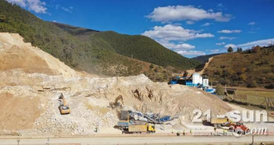 高原硬汉 | 克磊镘破碎筛分设备助力香格里拉最美风景线——虎香公路改扩建