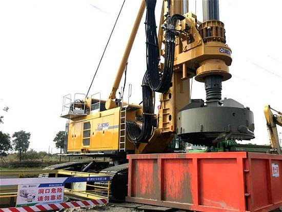 施工现场旋挖钻机打桩的防护要求